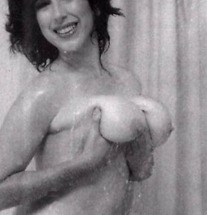 classic porn tube big boobed sixties ladies showing it all
