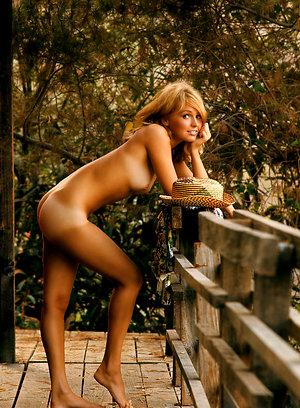 Elaine Morton vintage pics brigittelahaie.tumblr