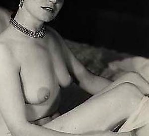 Naughty young vintage porn housewives showing their bodies