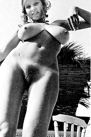 The massive tits of Roberta Pedon fully exposed azgals.com
