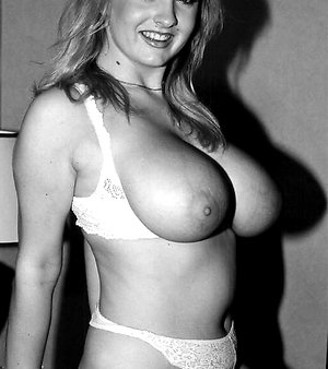 Very hot retro MILF shows her giant tits pamela vintage erotica