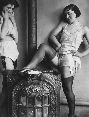 vintage erotica series ladies from the twenties love showing it all