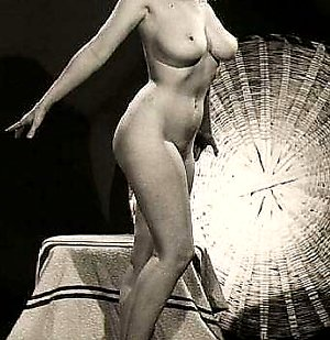 Vintage ladies with massive natural breasts posing oldschoolerotic.tumblr