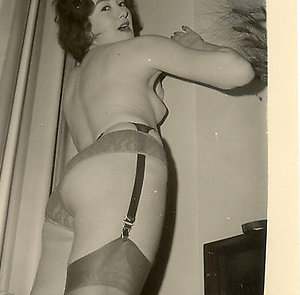 vintage porn xvideos mature ladies from 70`s posing in black stockings